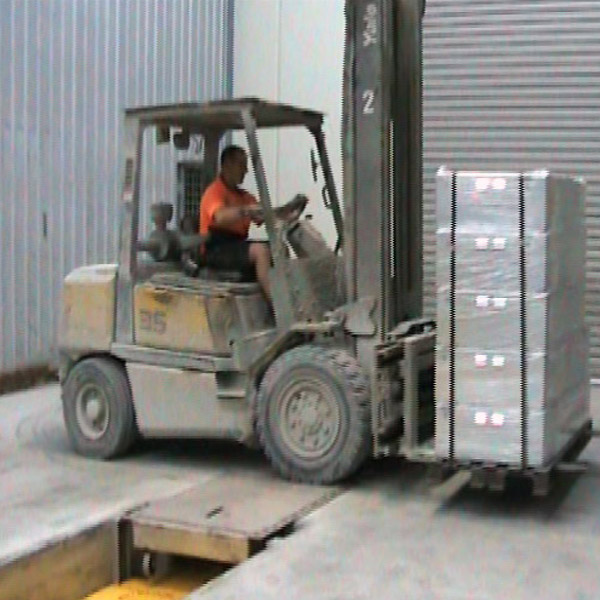 Forklift service & maintenance workshop