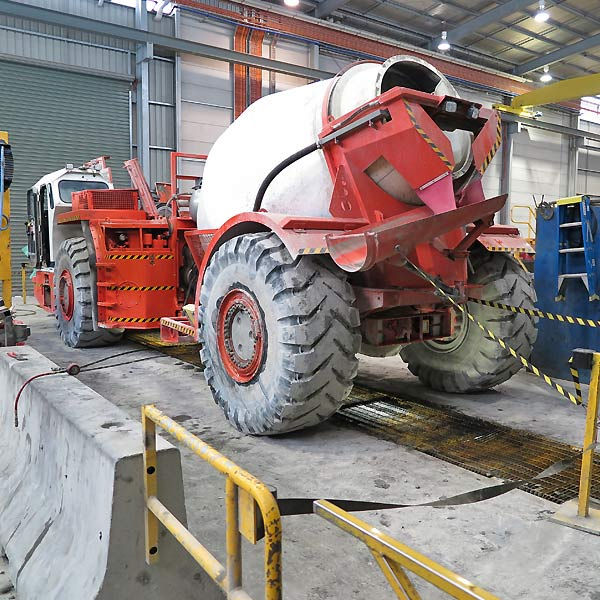 Workshop pit for mining maintenance