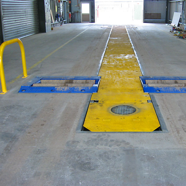 Pit safety cover with ventilation